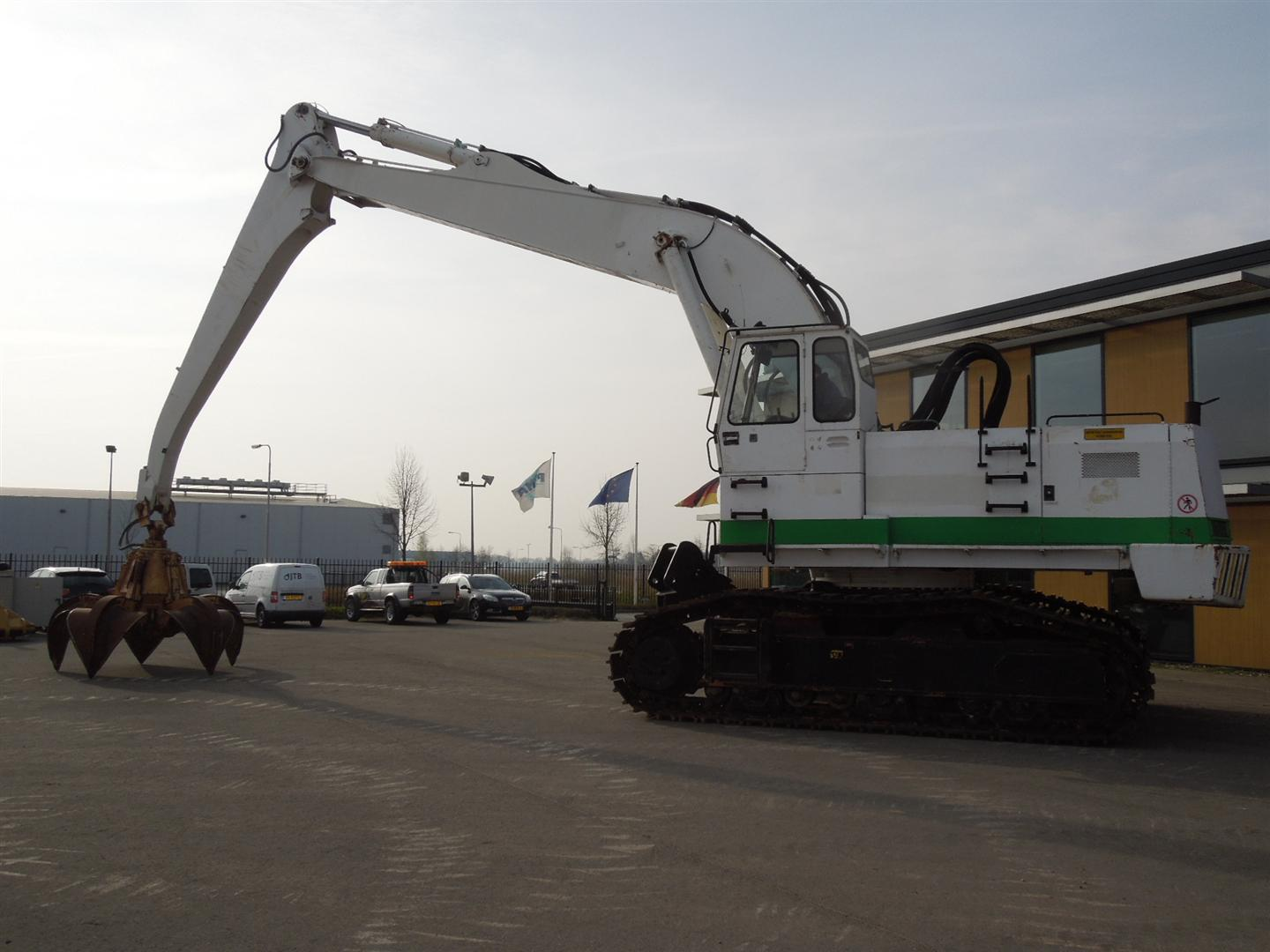 Liebherr R974 – Year 1992 – Used Liebherr Material Handling Tracked Excavator For Sale